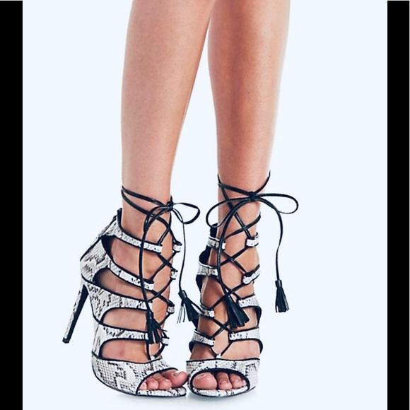 feafebfcf2f NWT💫Beautiful python print gladiator heels